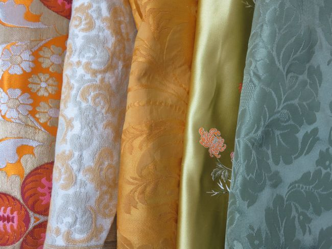 Brocades, jacquards & damasks